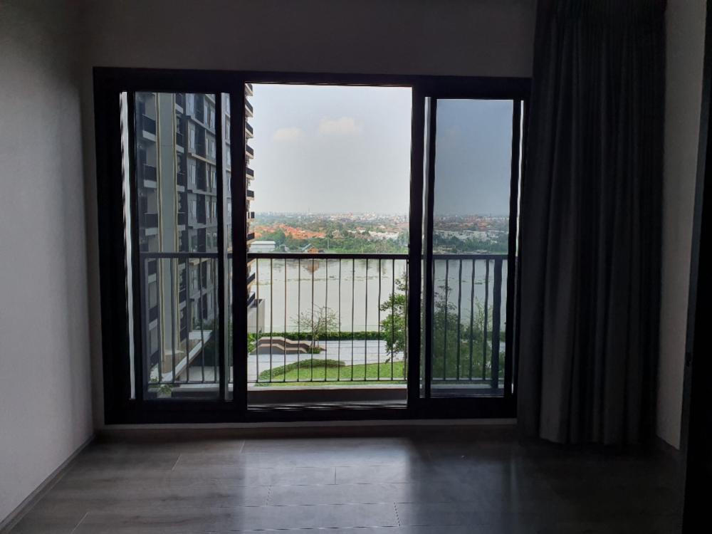 For RentCondoRattanathibet, Sanambinna : Politan rive for rent, floor 12A, water room and garden, cheap room