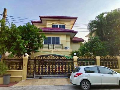For RentHouseSamrong, Samut Prakan : RH247 3-storey detached house for rent, Krongthong Village, Soi Si Dan 22