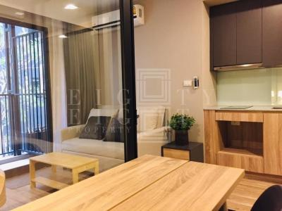 For RentCondoSathorn, Narathiwat : For Rent Blossom Condo @ Sathorn-Charoenrat (30 sqm.)