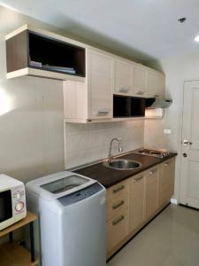 For SaleCondoThaphra, Wutthakat : Sale 1.29 !!! Condo Metro Park Sathorn, 31 sqm. Floor 5, Fully furnished, Ready to move in, Free furniture, Convenient transportation, BTS / MRT Bang Wa