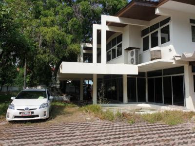 For SaleHouseSukhumvit, Asoke, Thonglor : Sale of land and buildings in Soi Sawasdee, Sukhumvit 31