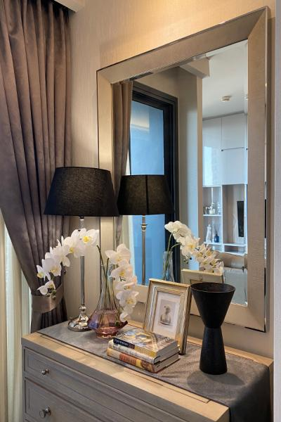 For SaleCondoSukhumvit, Asoke, Thonglor : Ready to move-in room for rent/ sell @ The Lumpini 24 Soi Sukhumvit 24 / 1 Bed 1 Bath 38.18 m2 8th floor facing East / Fully-furnished in modern classic style with luxury furnitures from Chanintr Living