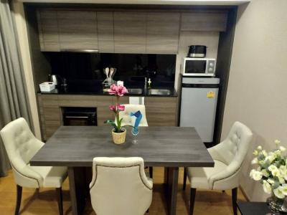 For SaleCondoWitthayu,Ploenchit  ,Langsuan : For Sale Condo Klass Langsuan, 7th floor, corner room
