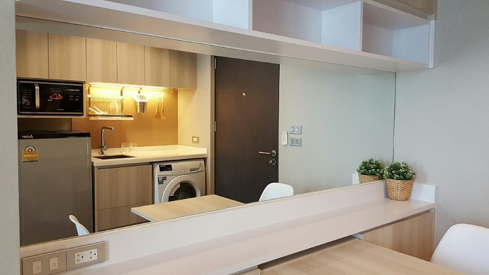 For SaleCondoSukhumvit, Asoke, Thonglor : For Sale/Rent Condo The Lumpini 24 near BTS Phrompong Fully Furnished and Facilitators with good view and location.