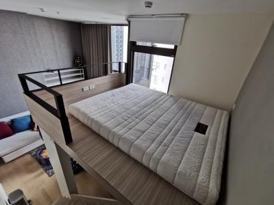 For RentCondoRama9, RCA, Petchaburi : Chewathai Residence Asoke ( Duplex 1 Bed 29.18 Sqm) 24,000 THB @Airport Link Makkasan