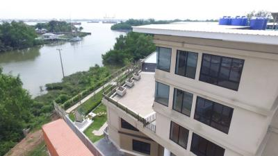 For SaleBusinesses for saleSamrong, Samut Prakan : Urgent sale! 5-story hotel by the Chao Phraya River With swimming pool 1-2-9.9 rai, Suksawat Rd., Phra Samut Chedi District, Samut Prakan, near Phra Samut Chedi Market