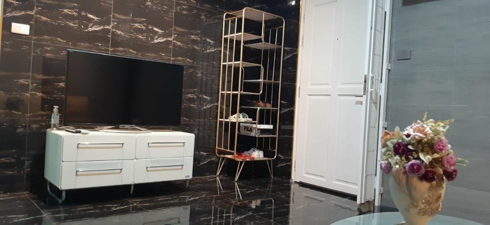 For RentCondoRatchadapisek, Huaikwang, Suttisan : Condo for rent Zenith Place @ Huay Kwang (Zenith place @ Huay Kwang) Beautiful room on the 8th floor, room size 41 sq m - 1 bedroom, 1 living room, 1 kitchen, 1 bathroom.