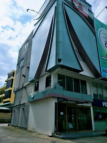 เช่าตึกแถว อาคารพาณิชย์รัชดา ห้วยขวาง : ให้เช่าอาคารพาณิชย์ 5 ชั้นติดถนนรัชดา ใกล้MRTรัชดา 100 เมตร พร้อมลิฟท์ สามารถเปิดกิจการได้24ชั่วโมง