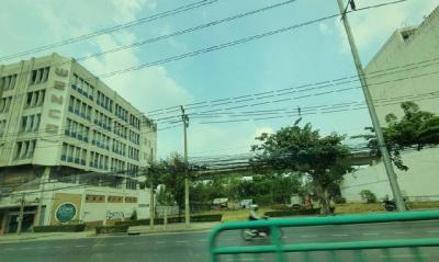 For RentLandRama9, RCA, Petchaburi : Land for rent on New Petchburi Road, 405 square meters area, can be rented for long term.