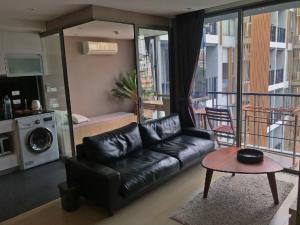 For RentCondoSilom, Saladaeng, Bangrak : For rent Klass Silom 1 bedroom 40sqm pool view