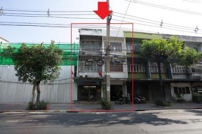 ขายตึกแถว อาคารพาณิชย์คลองเตย กล้วยน้ำไท : ขายอาคารพาณิชย์ 2 คูหา 3 ชั้น ถนน พระราม 4 แขวง พระโขนง เขต คลองเตย