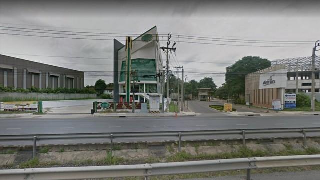 For SaleShophouseRama5, Ratchapruek, Bangkruai : Selling a 4.5 storey showroom building with lift. On Nakorn In Road, near Den La Kindergarten
