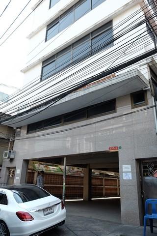 เช่าตึกแถว อาคารพาณิชย์สาทร นราธิวาส : ให้เช่าอาคารพาณิชย์2ชั้นและ 5 ชั้นติดกัน ถนนสาทร 11 แขวงทุ่งวัดดอน เขตสาทร