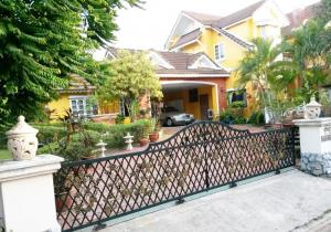 For SaleHouseChiang Mai, Chiang Rai : 2 storey detached house for sale. Pruekwaree Village, Chiang Mai