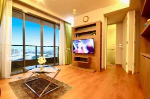 เช่าคอนโดสุขุมวิท อโศก ทองหล่อ : ด่วน!! ให้เช่า The Lumpini 24 Condo Luxury Modern  สุดหรู ใจกลางเมือง สุขุมวิท ซ. 24