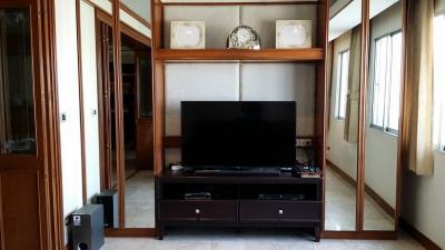 For RentCondoWitthayu,Ploenchit  ,Langsuan : Pet Friendly 2 Beds 102 Sqm @BTS Ploenchit 33,000 THB ( 1 car parking)