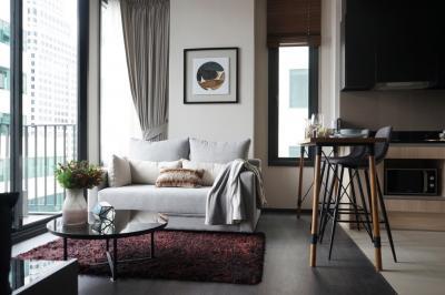 For RentCondoSukhumvit, Asoke, Thonglor : BIG SALE !!! Corner Unit, High floor Edge Sukhumvit 23