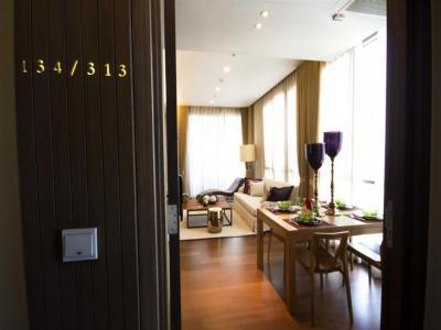 For RentCondoSukhumvit, Asoke, Thonglor : CD122321 Luxury condominium is located in the superb location of Thonglor area.