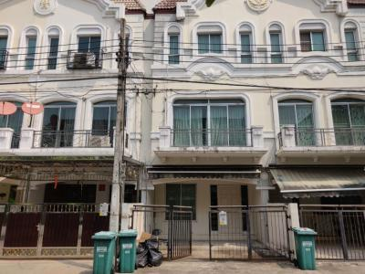 For RentTownhouseKaset Nawamin,Ladplakao : House for rent in the middle of Kaset Nawamin.