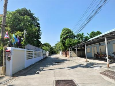 For SaleLandCha am, Hua Hin : Land with 4 rooms for rent, 72 sq.w. of land with full tenants every month