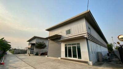 For SaleWarehouseRangsit, Thammasat, Patumtani : Warehouse for sale in Khlong Luang, only 100 meters from Kanchanaphisek Ring Road, size 850 sqm., on 1.5 rai of land with houses