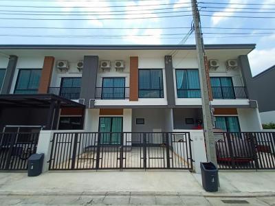 เช่าทาวน์เฮ้าส์/ทาวน์โฮมบางแค เพชรเกษม : ND0227  ปล่อยเช่า Unio Town เพชรเกษม 110  2 นอน 2 น้ำ 1 ห้องอเนกประสงค์ 1ห้องเก็บของ