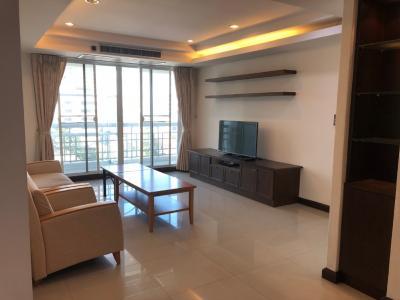 For RentCondoSukhumvit, Asoke, Thonglor : Royal Castle Sukhumvit 39 (3 Beds 2 Baths 140 sqm) @BTSPhromPhong 60,000 THB (Negotiable)