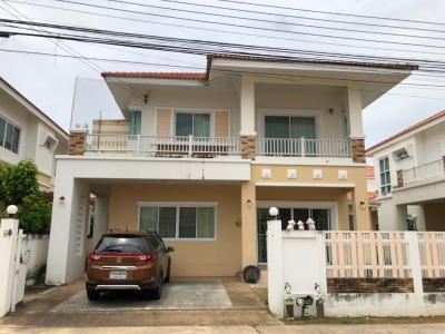 For SaleHouseKorat KhaoYai Pak Chong : Quick sale 2 storey house, The House, Hosonia. Ratchasima-Pak Thong Chai Road Near Suranaree University of Technology, Suranaree Nakhon Ratchasima