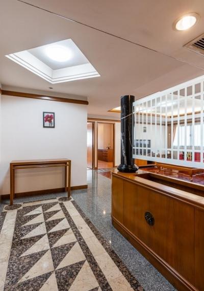 """ขายคอนโดสุขุมวิท อโศก ทองหล่อ : """"ขายถูก/ให้เช่าห้องสวย! ทำเลดีที่สุด ใจกลางทองหล่อ คอนโด United Tower (ยูไนเต็ด ทาวเวอร์) 156.67 ตร.ม. ทองหล่อ17 ติด J-Avenue"""""""