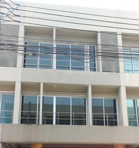 For SaleTownhousePattanakan, Srinakarin : 3-story townhome for sale, Noble Cube Phatthanakan, suitable for living Or make a home office