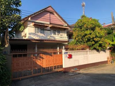 For RentHouseLadprao101, The Mall Bang Kapi : H13 House for rent Chuan Chom Village, Lat Phrao 101, near The Mall 2 floor, 4 bedrooms, 3 bathrooms, 2 parking spaces 25000 per month