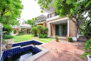 ขายบ้านพัฒนาการ ศรีนครินทร์ : ขายบ้าน 5 ห้องนอน นาราสิริพัฒนาการ บ้านสวย
