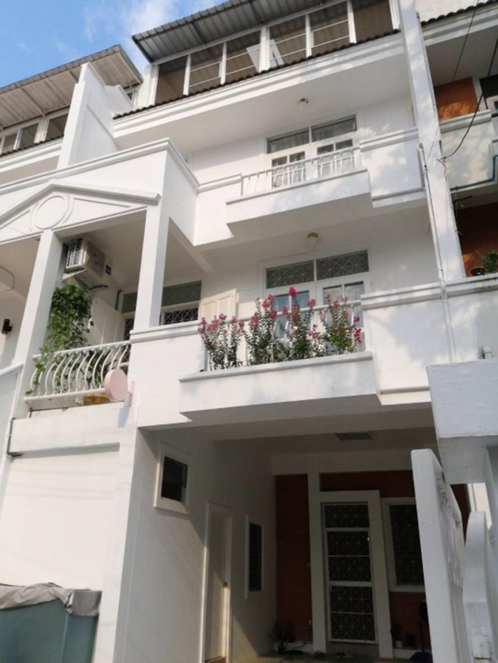 For RentTownhouseBangna, Lasalle, Bearing : Townhome for rent!!!! Best price Best locationBangna