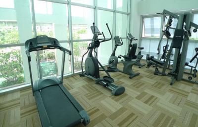 For RentCondoWongwianyai, Charoennakor : Villa Sathorn Condo ** Big Studio with size 42 sq.m** Facing South, High Floor