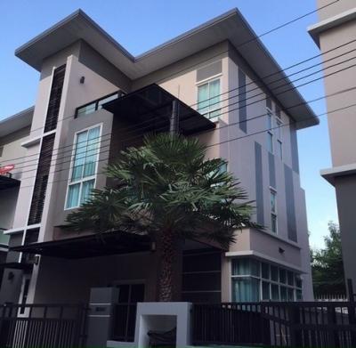 เช่าบ้านเลียบทางด่วนรามอินทรา : RH291 ให้เช่าและขาย บ้านเดี๋ยว 3 ชั้น สไตล์โมเดิร์นหมู่บ้านกู๊ดวิวล์ เลียบด่วนเอกมัยรามอินทรา