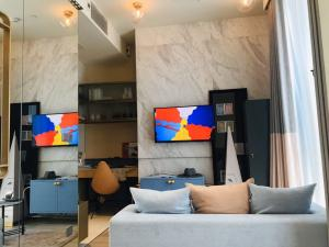 Sale DownCondoSilom, Saladaeng, Bangrak : New down payment for sale, not only add to Silom, only 6.54 1 bedroom, high floor, top of the project