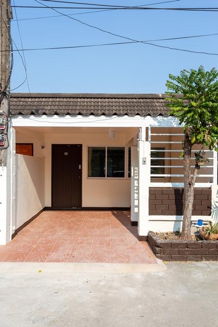 เช่าบ้านเชียงใหม่-เชียงราย : เช่า ขาย บ้านแฝด ชั้นเดียว 20 ตารางวา จอดรถได้ 1 คัน ถนนมหิดล ซอย 1 (ALP-C-2003005)