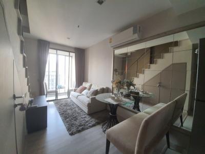 For SaleCondoOnnut, Udomsuk : +++ Hot sale +++ Ideo Mobi Sukhumvit 81, near BTS On Nut Duplex 1 bedroom size 42.51 square meters