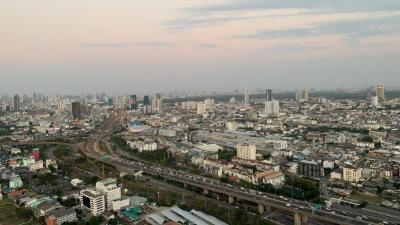 เช่าคอนโดพระราม 3 สาธุประดิษฐ์ : For Rent Star View Rama3, 2 bed 81 sqm. Corner room, high floor.