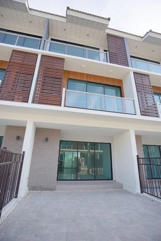 For RentTownhouseLadprao101, The Mall Bang Kapi : RT351 3-storey townhome for rent Supalai Essence Ladprao 107 near The Mall Makro, Bangkapi