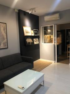 For SaleCondoRatchadapisek, Huaikwang, Suttisan : Condo for sale, The room @ LP, 40 sqm., 1 bed 1 bath, 11th floor, city view, fully furnished, best price, ready to finish