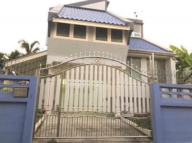 For RentHouseBang Sue, Wong Sawang : 3 storey detached house for rent, home office, near MRT Wong Sawang, Ratchada area