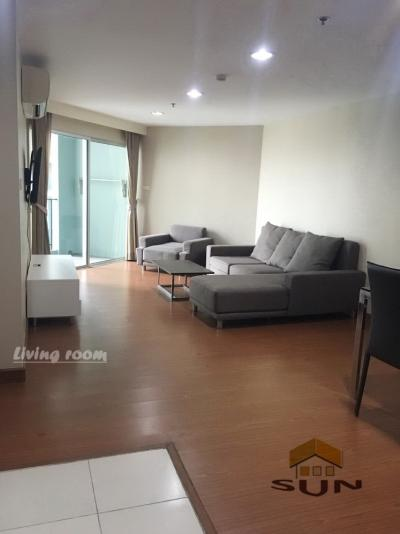 For RentCondoRama9, RCA, Petchaburi : For rent, Belle Grand Rama 9, near Rama 9 MRT station - 98 sqm., Floor 22 - 3 bedrooms, 2 bathrooms, 1 separate kitchen with furniture.