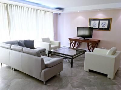 For RentCondoWitthayu,Ploenchit  ,Langsuan : Urgent rent, Somkid Gardens ** 4 bedrooms 250 sq.m. high floor, fully furnished !!