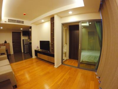 For RentCondoWitthayu,Ploenchit  ,Langsuan : Focus Ploenchit (2 bed 52 Sqm) BTS Ploenchit, Nana 35,000 THB Negotiable