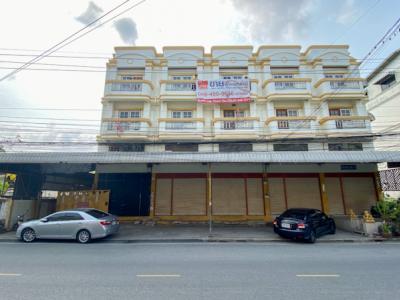 ขายตึกแถว อาคารพาณิชย์สำโรง สมุทรปราการ : ขาย อาคารพาณิชย์ บางปู 72 ขนาด 3.5 ชั้น 5 คูหา 116 ตร.วา พื้นที่ใช้สอย 840 ตรม. เหมาะทำสำนักงาน พื้นที่ให้เช่า
