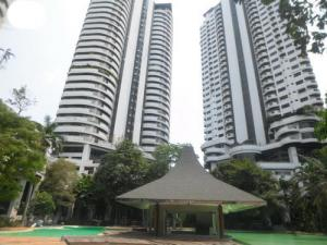 For SaleCondoPattanakan, Srinakarin : Selling under evaluation Condo Flora Ville 2, area 160.80 sqm., Floor 20, 2 bedrooms, 3 bathrooms, city view, Pattanakarn