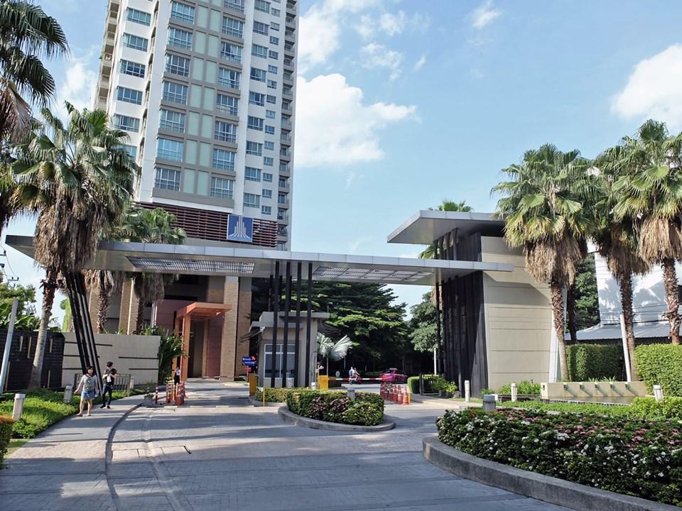 For RentCondoRama9, RCA, Petchaburi : Get agent for rent 12,000 baht, Lumpini Place Rama 9, high floor, corner unit, no wall, size 36 sqm., Central view