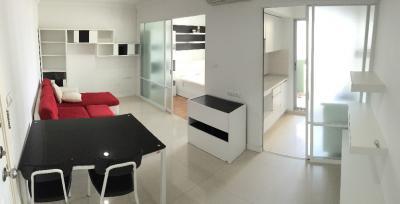 For RentCondoRama9, RCA, Petchaburi : Get agent for rent 14,000 baht, Lumpini Place Rama 9, high floor, corner unit, no wall, size 36 sqm., Central view