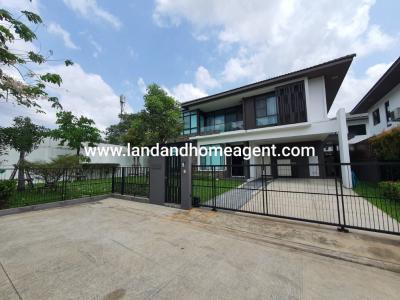 For RentHouseSamrong, Samut Prakan : House for rent, Manthana Srinakarin-Bangna, Nam Daeng Road, 4 bedroom, large corner plot